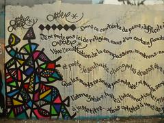 Artiste inconnu(e) : Spray for Paris (partie gauche) (Archi & Philou) Tags: streetart text unknown tribute hommage texte inconnu paris20