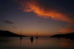 Amorgos - Katapola - la baie 9 (luco*) Tags: sunset sea sky mer de bay soleil boat coucher greece ciel bateau grèce cyclades amorgos baie kyklades hellada katapola flickraward flickraward5 flickrawardgallery