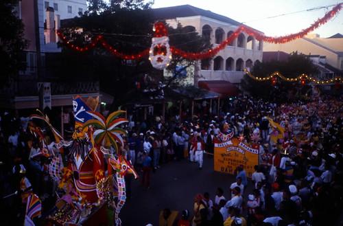 "Bahamas 1988 (118) New Providence: Junkanoo • <a style=""font-size:0.8em;"" href=""http://www.flickr.com/photos/69570948@N04/23540030056/"" target=""_blank"">Auf Flickr ansehen</a>"