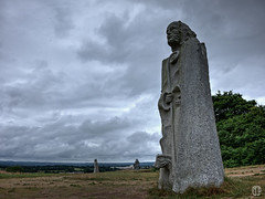 Paol (mostodol) Tags: paol paul breizh bzh bretagne brittany ctesdarmor france statue sculpture valledessaints landscape paysage wow fuji fujifilm xa1 granit stone pierre