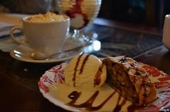 Что бы такое съесть, чтобы похудеть? 4 самых популярных десерта в Витебске (Витебский Курьер) Tags: home витебск выпечка десерт еда жирность здоровье калорийность кафе кухня наполеон сладкое тирамису торт фигура чизкейк штрудель