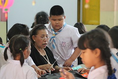 Teacher at work (Geoff_B) Tags: thailand october2016 2559 unprocessed school anubanpai