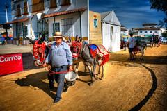 Una pará en Gines - Sevilla (mgarciac1965) Tags: gines sevilla seville concurso caballos burro mulo calle gente luz color andalucía andalucia andalusia españa spain nikond5200 tradiciones cielo sky blue azul