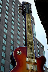 Hard Rock. (LeanneRichelle) Tags: philadelphia city philly view cityview skyscraper sky scraper tallbuildings pennsylvania one oneliberty onelibertyplace liberty libertyplace citysights tall hardrockcafephilly hardrock hard rock cafe hardrockcafe rockcafe hardcafe guitar giantguitar phillycafe