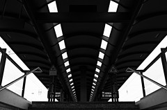 (formwandlah) Tags: kaiserslautern hbf bahnhof train station urban city noir dark strange melancholic melancholisch sureal bizarr skurril abstrakt abstract darkness light bw blackwhite black white sw monochrom high contrast ricoh gr pentax formwandlah thorsten prinz einfarbig surreal architecture architektur tower turm babel hochhaus rathaus finsternis dramatic sky wolken dster outdoor minimalismus schrfentiefe gebude indoor atrium