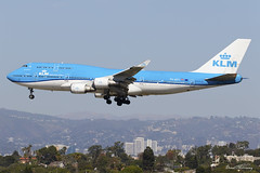 KLM 747-400 PH-BFV (birrlad) Tags: losangeles lax international airport california usa aircraft aviation airplane airplanes airline airliner airlines airways approach arrival arriving finals landing runway boeing b747 b744 747 747400 747406 phbfv klm royal dutch amsterdam ams jumbo jet kl601