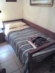 IMG_20161110_181643 (rgaioppa) Tags: letto bedroom camera divano stanza bed