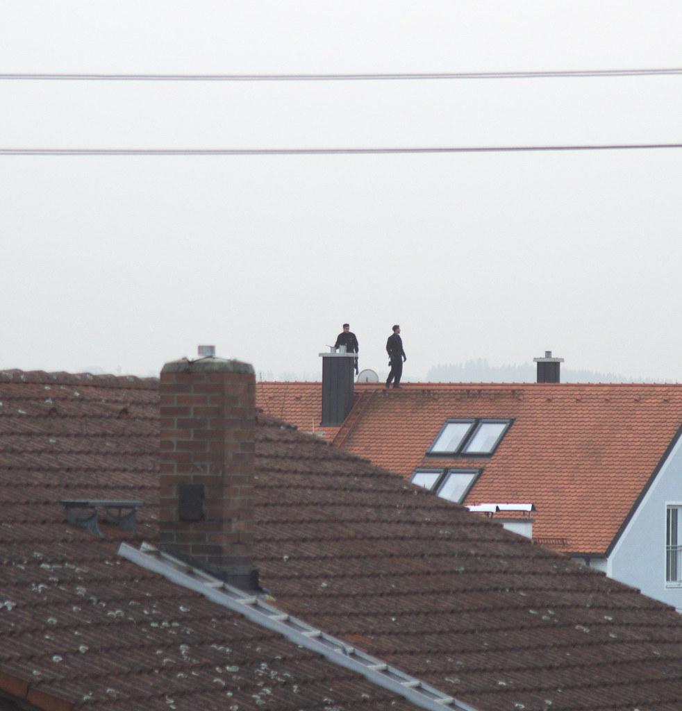 Chimney Sweeper (max.hau11) Tags: Kaminkehrer Schornsteinfeger Chimney Kamin  Schornstein Dach Roof