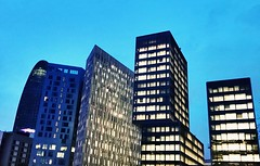 Barcelona buildings #iphone7 #takenwithaniphone7 #barcelona #buildings #skyscraper #skyline #sky #sunset #night #agbar (mmutsuda) Tags: iphone7 takenwithaniphone7 barcelona buildings skyscraper skyline sky sunset night agbar