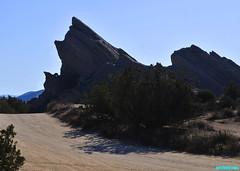 VasquezRocks183 (mcshots) Tags: usa california socal losangelescounty vasquezrocks rockformations rocks desert sky travel nature stock mcshots aguadulce