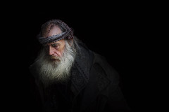 ?{ (dagomir.oniwenko1) Tags: oldman men male man blackbackground candid canon color canoneos60d street style sigma face beard humans portrait person portret people portraits ritratto retrato kingslynn england norfolkshire gb uk ngc