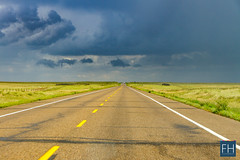 Alberta Streets (felix.hohlwegler) Tags: street streetart streetphotography photography alberta highway calgary kanada canada america amerika canon canoneos canoneos7d clouds wolken himmel sky fotografie landschaftsfotografie wetter
