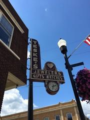 Teske's- Hibbing, MN (MichaelSteeber) Tags: buildings downtown hibbing neon outdoors outside signage teskes vacation