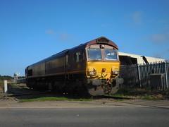 66012 (Boothby97) Tags: gm br diesel grimsby dbs class66 ews diesellocomotive lightengine pyewipe 66012 class660 dbschenker 0z66 grimsbyimminghamlightrailway pyewiperoadsignalbox
