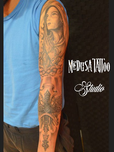 "Medusa tattoo • <a style=""font-size:0.8em;"" href=""http://www.flickr.com/photos/84515891@N08/22008818299/"" target=""_blank"">View on Flickr</a>"