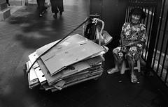 Long day (Mambo Ferido) Tags: life film singapore kodak trix streetphotography photojournalism ishootfilm filmphotography shadesofblue leicam4