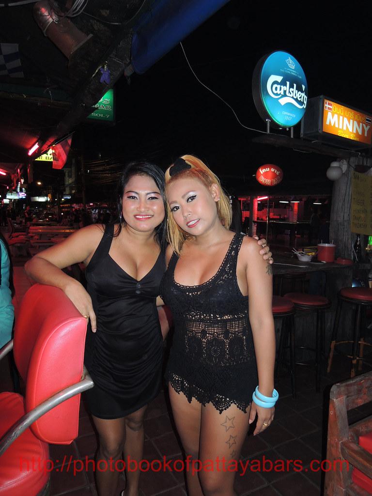 girls Thai holiday