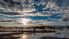 The sunset in  Yellowstone (The Sergeant AGS (A city guy)) Tags: sonyslra850 tetoncounty unitedstates walkingtrails walking waterways wyoming yellowstonenationalpark zoomxiaf28105 sony oldlenses minoltamaxxumlens exploration blue clouds 2009 afternoon