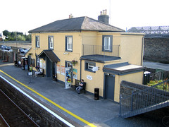 Arklow Railway Station (robinparkes) Tags: iarnrodeireann arklow 2800class railcars