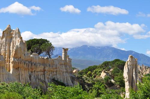 Sa majesté le Canigou, les Orgues d'Ille-sur-Têt, Ribéral, Roussillon, Pyrénées Orientales, Occitanie, France.