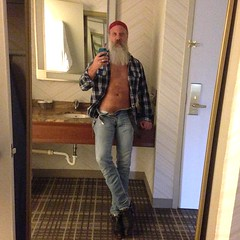 A Sleezy Hotel Selfie (Cowboy Tommy) Tags: hotel bathroom sleezy sex sexy hot plaid unzipped pubes pubichair hairy trashy levi levis package tight jeans bluejeans boots beard unbutton chest bulge crotch bandana selfie
