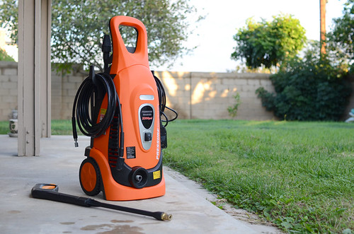 pressurewasher pressurecleaning gas electric wood deck woodendeck cleaning spray spraywand spraygun water backyard concrete housecleaning cleaner stains weathered floor cement gray silver grass green trees yard