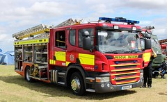 Gloucestershire Fire & Rescue Service Scania P280 Fire Tender KX11AZL in South Cerney 1 August 2015 (IslandYorkie) Tags: gloucestershire fireengine cirencester firebrigade fireservice emergencyvehicles emergencyservices fireappliance southcerney scaniap280 gloucestershirefirerescueservice scaniafiretender kx11azl gloucestershiresteamextravaganzacountryfair2015