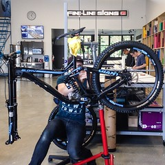 My new @whistlerbikeprk 'Instructor' whip, a... (Harry Head) Tags: bike whistler mountainbike downhill dh mtb northvancouver protection bikeporn inthezone whistlerbikepark newbikeday headracing giantbicycles ridewithoutlimits ridelife uploaded:by=flickstagram igersmtb whistlerbikeprk finelinesigns instagram:photo=10010640290024197111391066810 finelinefriday