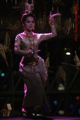 she actually moves (tomzcafe) Tags: nikon singapore esplanade dancefestival d90 pentaconauto13528 cambodianstyle