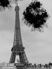 TOUJOURS PARIS (Andr Pipa) Tags: paris france blood frana eiffel toureiffel torreeiffel terror francia abominable bloodbath cowards terrorismo bataclan coldblood murderers atentados attentats friday13november