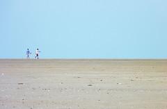 Sur l'horizon (JSEBOUVI : 2 millions views !) Tags: beach boys sand sable plage touquet surlhorizon