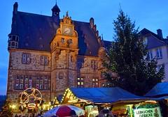 Christmas Time in Marburg, Germany (Tobi_2008) Tags: city germany deutschland town hessen market christmasmarket weihnachtsmarkt christmastree stadt townhall weihnachtsbaum rathaus allemagne marburg marktplatz germania