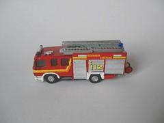 Atego - HLF (2) (Joachim Gundlach) Tags: rescue fire firetruck vehicle fireengine custom feuerwehr dortmund kitbash modellbau nscale hlf lschfahrzeug 1160 lschgruppenfahrzeug kitbashing kitbashed lf1612 feuerwehrdortmund 1zu160