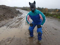 Getting muddy in blue coverall (kari1888) Tags: mud dirty coverall mask fetish gloves boots rubber rainwear