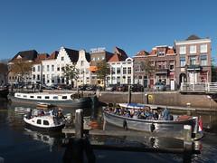Thorbeckegracht (Jeroen Hillenga) Tags: zwolle gracht canal bootje bootjevaren bootjes blauwelucht bluesky stad straat street streetwise varen city cityscape netherlands nederland rondvaart rondvaartboot