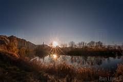 Dos soles (Iban Lopez (pepito.grillo)) Tags: ©ibanlopez d90 paisaje landscape naturaleza nature sol sun reflection reflejo panoramica panorama cabezóndepisuerga