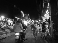 Evening in Hoi An (Xnalanx) Tags: asia environment hoian lanterns lighting moped night objects people places time tourists vehicles vietnam