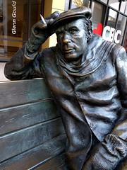 glenn gould smoking (Ian Muttoo) Tags: img20161114083736edit gimp toronto ontario canada glenngould smoking cigarette sculpture bench