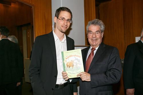 """Heinz Fischer_Bundespräsident von Österreich • <a style=""""font-size:0.8em;"""" href=""""http://www.flickr.com/photos/131334463@N07/20984033099/"""" target=""""_blank"""">View on Flickr</a>"""