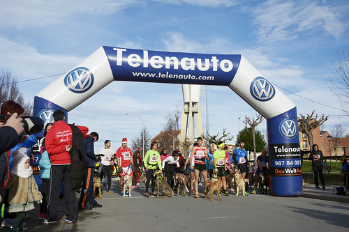 "Canina popular San Silvestre 2015 La Virgen del Camino • <a style=""font-size:0.8em;"" href=""http://www.flickr.com/photos/66442093@N08/24022955085/"" target=""_blank"">View on Flickr</a>"