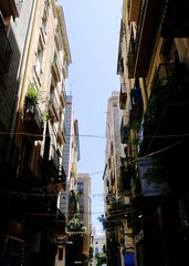 Dark streets of Barcelona (valentinerobb) Tags: barcelona spain street canon70d 1116mm dak narrow buildings