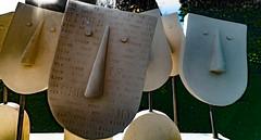 IN CONVERSATION BY JACKIE BALL [SCULPTURE IN CONTEXT 2016]-121886 (infomatique) Tags: botanicgardens voigtlander 15mm wideanglelens publicpark gardens infomatique sony a7rm2 october 2016 sculptureincontext jackieball inconversation