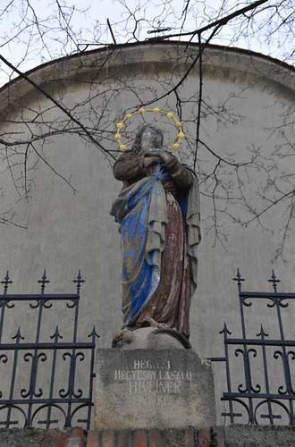 Hosszuheteny - Immaculata-szobor02