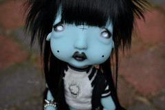 Cute little Humpty ! (Mientsje) Tags: circus kane nefer humpty dumpty green blue doll toy bjd ball jointed abjd artist cute egg gothic dark yosd sweet dolls
