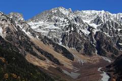 Hotaka Mountain Range (Teruhide Tomori) Tags: landscape nagano kamikochi japan mountain japanalps           hotakamountainrange  mountainridge chbusangakunationalpark  cliff rock mountainpeak