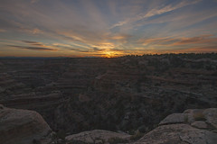 Canyon Crepuscular (Jeff Mitton) Tags: dawn sunrise crepuscular cedarmesa utah coloradoplateau redrockcountry landscape earthnaturelife wondersofnature