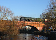 Kennet Crossing (Treflyn) Tags: bulleid rebuilt light pacific 34052 lorddowding 34046 braunton river kennet reading west brompton salisbury cathedralsexpress charter