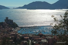 The silver sea (andreaprinelliphoto) Tags: andreaprinelliphoto andreaprinelli prinelli sea mare estate liguria lerici tellaro summer agosto marinadimassa silver argento silversea