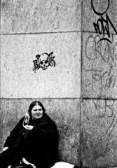 venus in furs, ermine furs adorn imperious (cHr1st1an S images) Tags: nikon f5 nikonf5 nikonf analogico analogic analogue analogique film bianco nero black white biancoenero blackwhite 35 mm35 mm filmnegative filmbianconero bw analog woman portrait gipsy venus vintage piedi feet society hand graffiti skull street art streetart light shadow lights shadows streetphotography city milano italy flickr chr1st1ans christiansorrentino