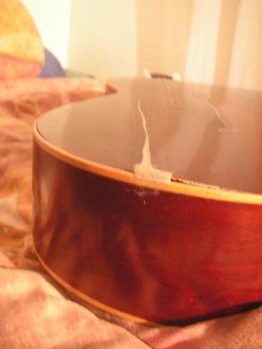 Guitare fendue